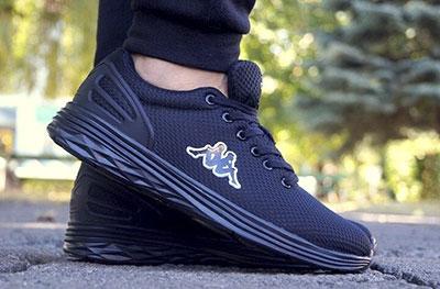 Черные кроссовки Kappa