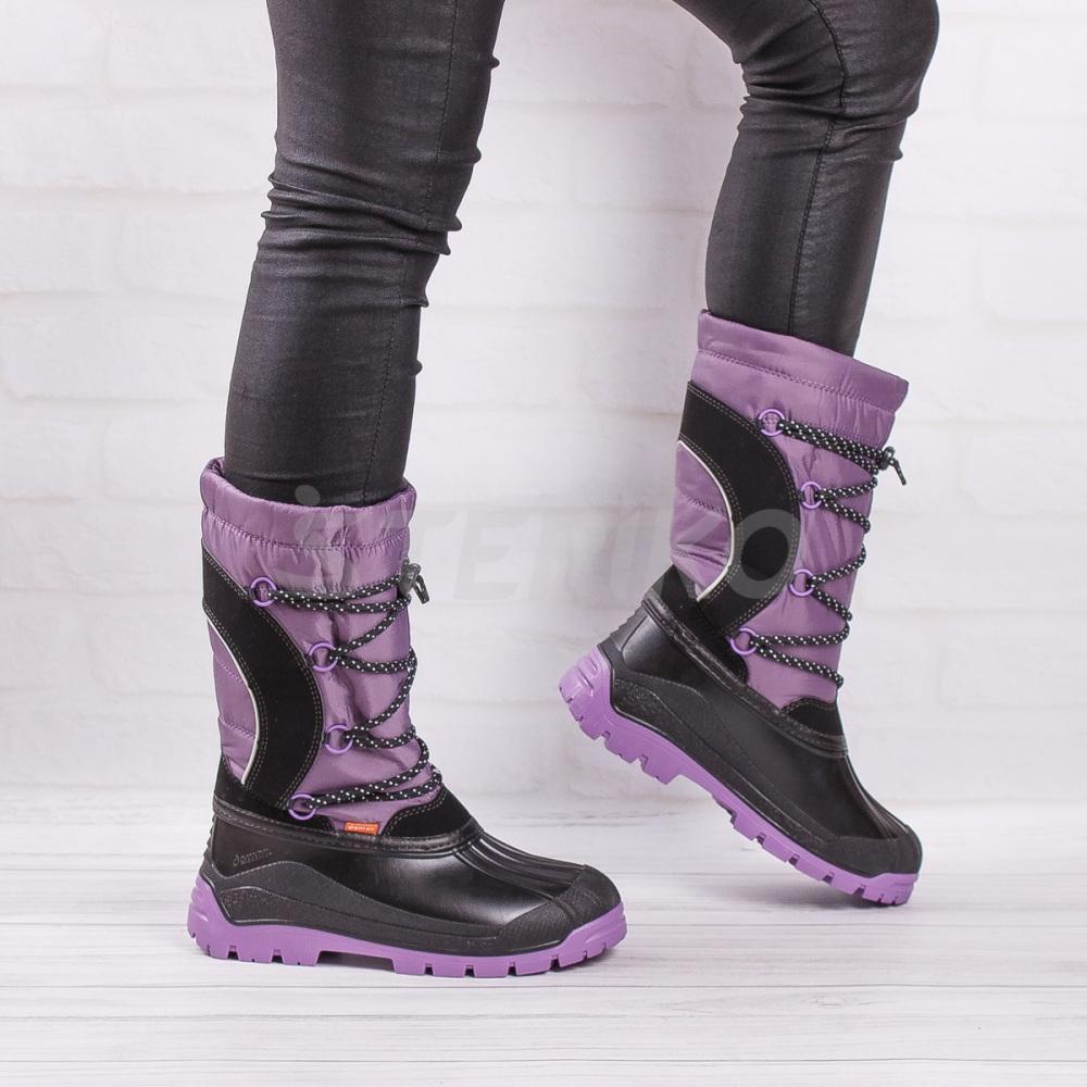 Демар Саманта фиолетового цвета - фото на ногах